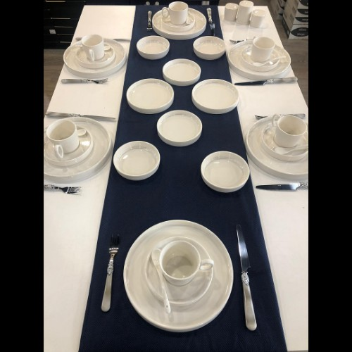 Picture of Holly Porcelain Breakfast Set of 35